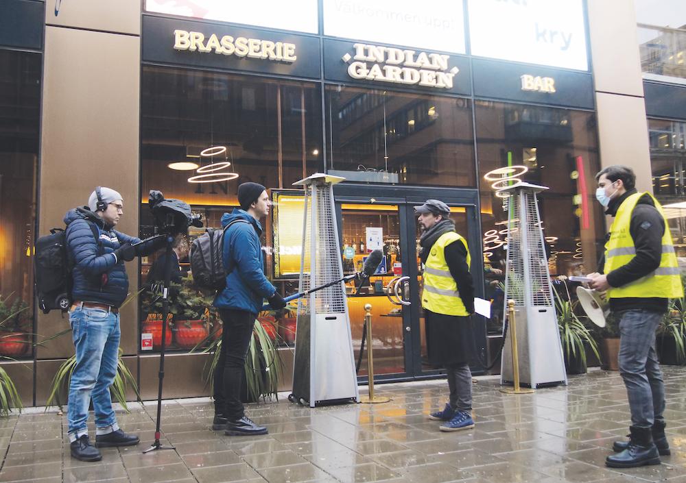 Fackföreningen Stockholms LS  av SAC blockerade Indian Garden för att dela ut information om att en arbetare där behandlats illa.