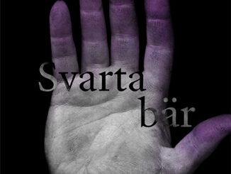 Framsida till boken Svarta bär. Visar en hand med fingrar färgade av blåbär. Svart bakgrund.